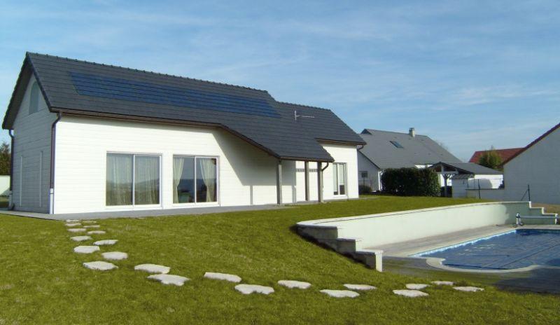 La tuile photovoltaïque; une solution solairepour rendre l'habitat autonome – Publi-info
